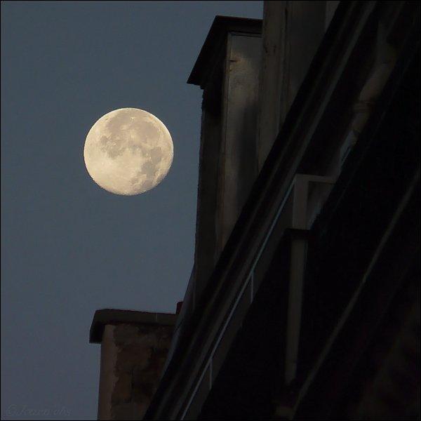 lune-paris-4nov7h56mn-15429d0 Bobby .J. Bob
